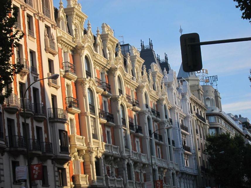 Топ самых дорогих улиц для покупки жилья в Испании